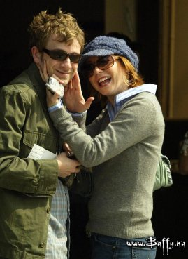 alyson-hannigan-tom-lenk-west-hollywood-hq-12-0750