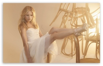sarah_michelle_gellar_in_a_white_dress-t2