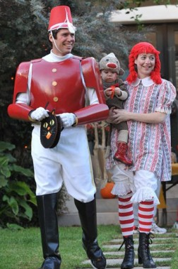 alyson-hannigan-family-costume
